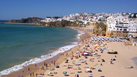 Albufeira Portugali source:http://www.flickr.com/photos/13878737@N05/1412999895/